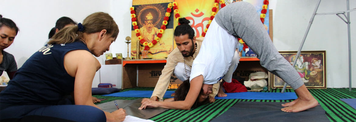 500-hour-yoga-ttc-rishikesh-india